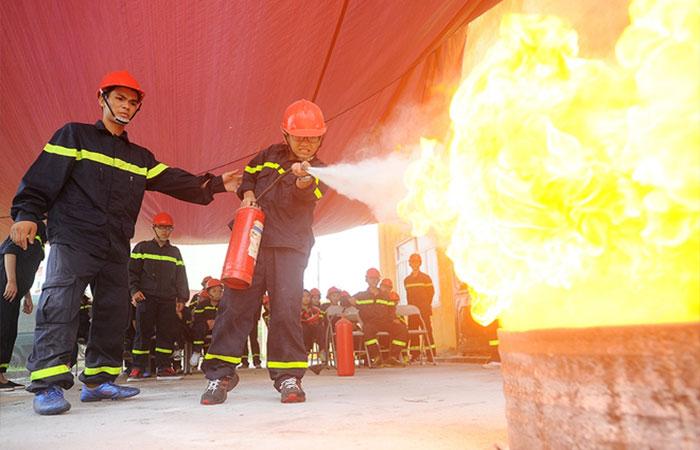 Các công việc liên quản lửa, khí đốt