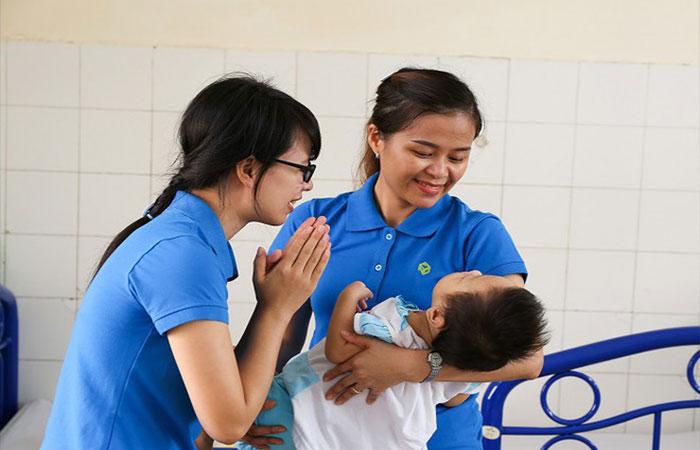 Nhân viên xã hội/điều dưỡng