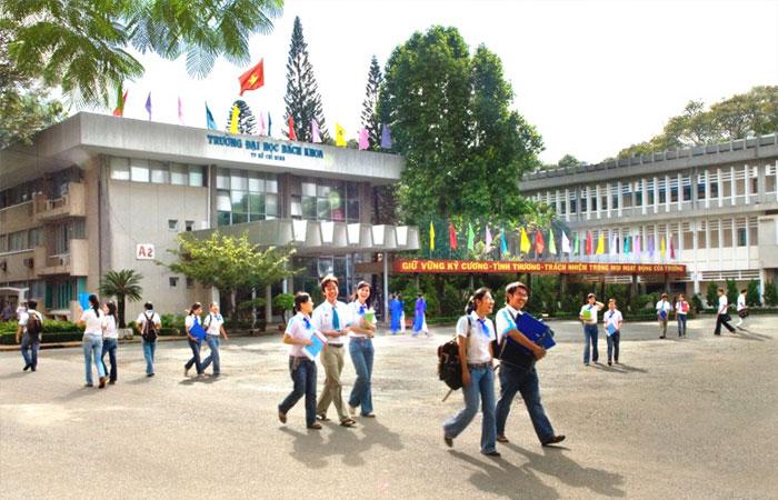 Vì sao Đại Học Bách Khoa HCM nổi tiếng thu hút sinh viên?