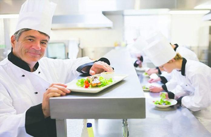 Cơ hội nghề nghiệp và phẩm chất cần có của nghề đầu bếp là gì?