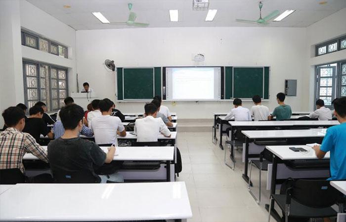 Điều kiện tuyển sinh và học phí của trường
