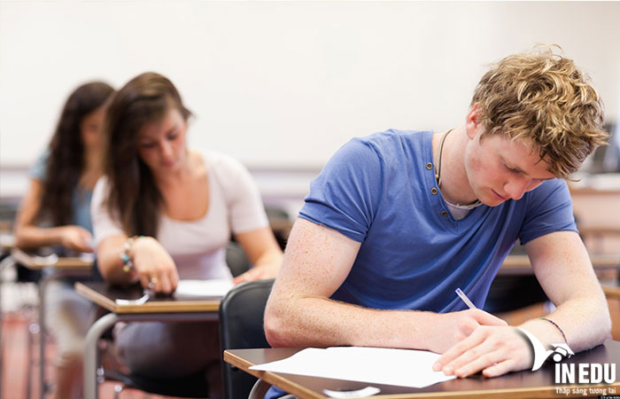 Hoàn thành kỳ thi chuẩn của trường