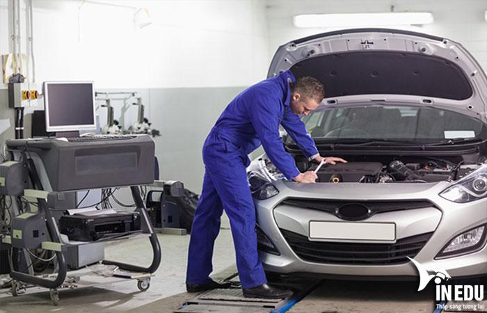 Nghề kỹ thuật ô tô là gì?