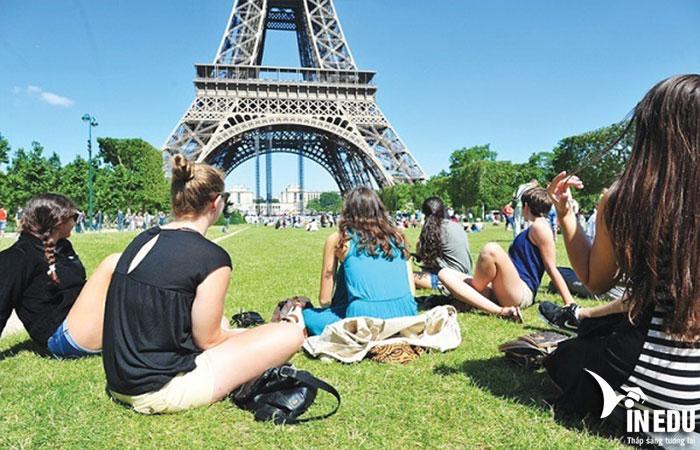 Chi phí du học Pháp