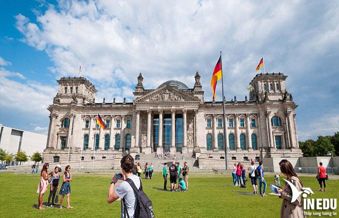 Chi phí học tiếng Đức