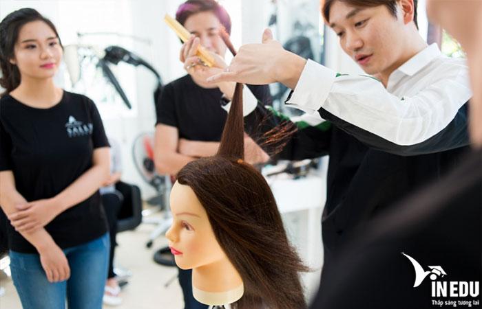 Nghề tạo mẫu tóc là gì?